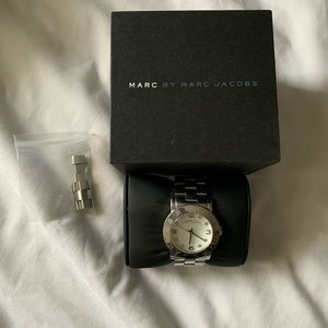 Marc Jacobs Amy ( MBM 3054 ) Silver Watch